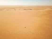 Coche en el Desierto del Sahara