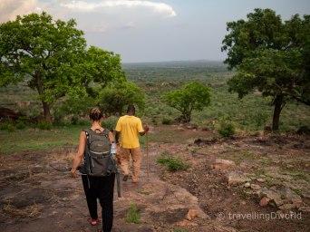 Caminata para llegar al poblado Troglodita