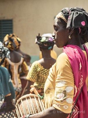 Mujeres en una boda tradicional en Burkina Faso