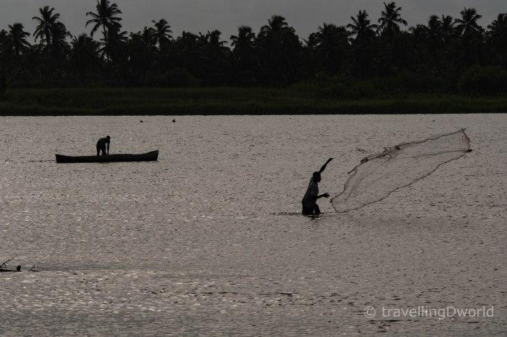 Pescadores tradicionales en Grand Popo, Benín