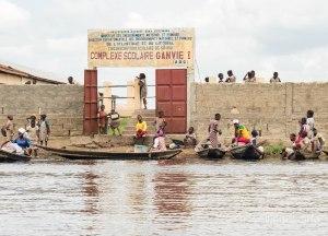 Complejo Escolar flotante en Ganvié, Benín